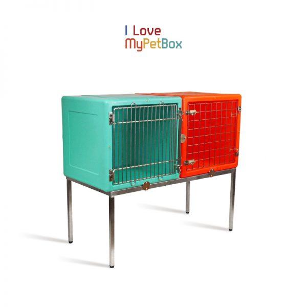 ILoveMyPetBox - base avec 6 pieds - montré avec des cages